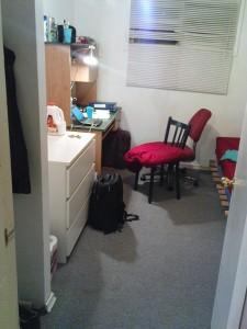 Mein Zimmer. Durch die Tür geschaut.
