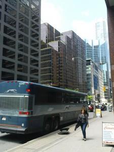 Aus dem Bus gefallen und schon in Downtown Toronto