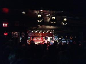 Wyh? Live on Stage in der völlig überfüllten The Horseshoe Tavern
