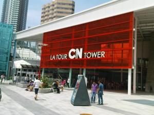 Der Eingang zum CN Tower
