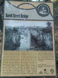 Die Geschichte der David Street Bridge nochmal zum nachlesen